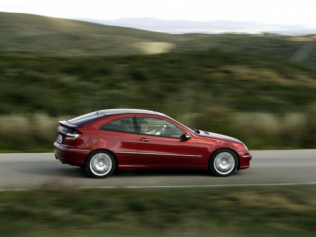 Mercedes benz c320 sport coupe wallpapers by cars for Mercedes benz c320